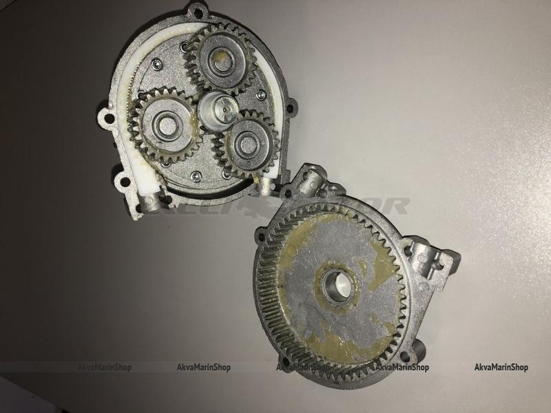 Рулевой редуктор G10 до 85 л.с. с чёрной накладкой MAVIMARE Арт KMG611008